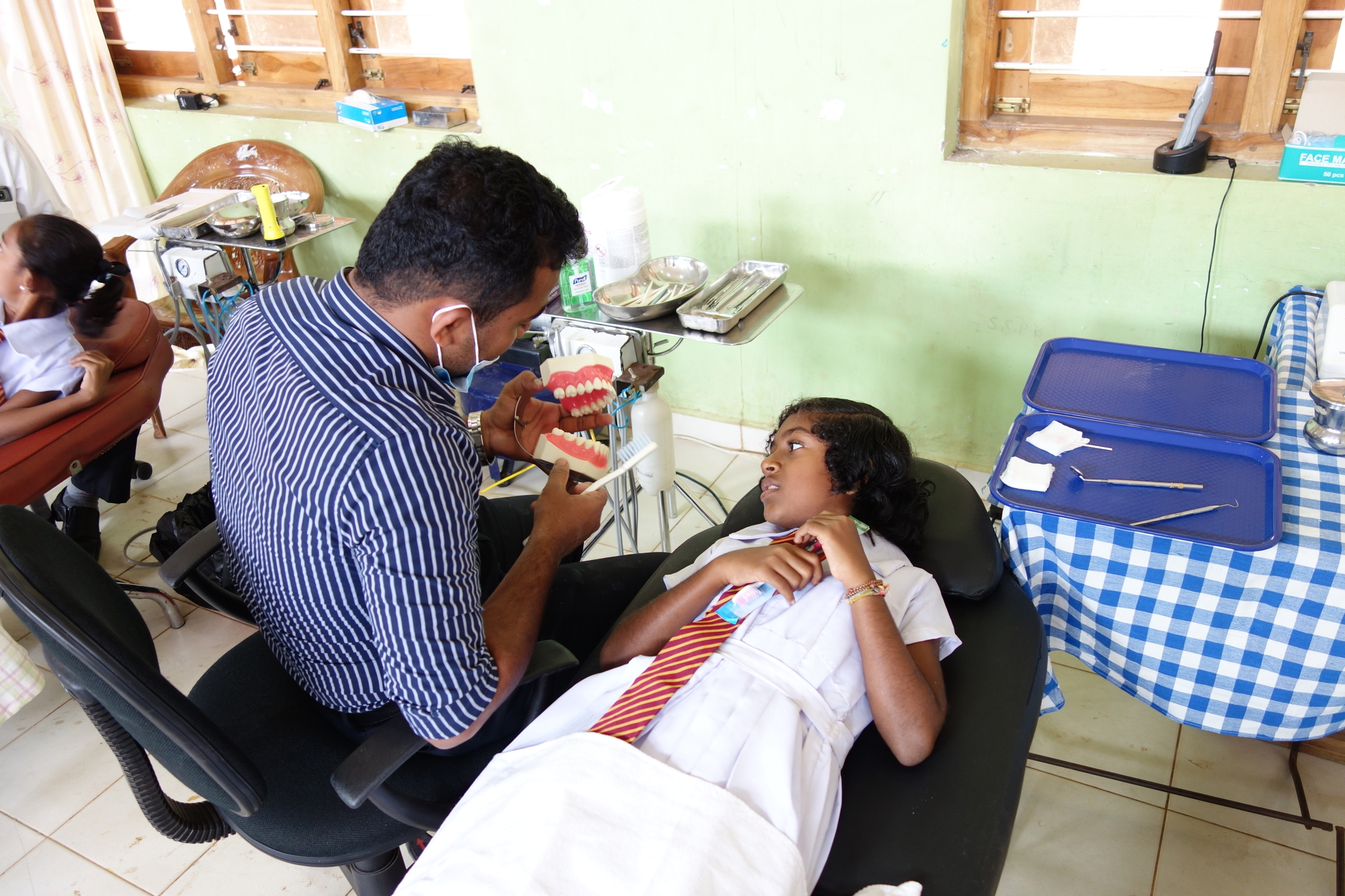 Dental Care International (DCI) Mobile dental care to provide free dental care to children in Sri Lanka. Dentists, hygienists, dental assistants