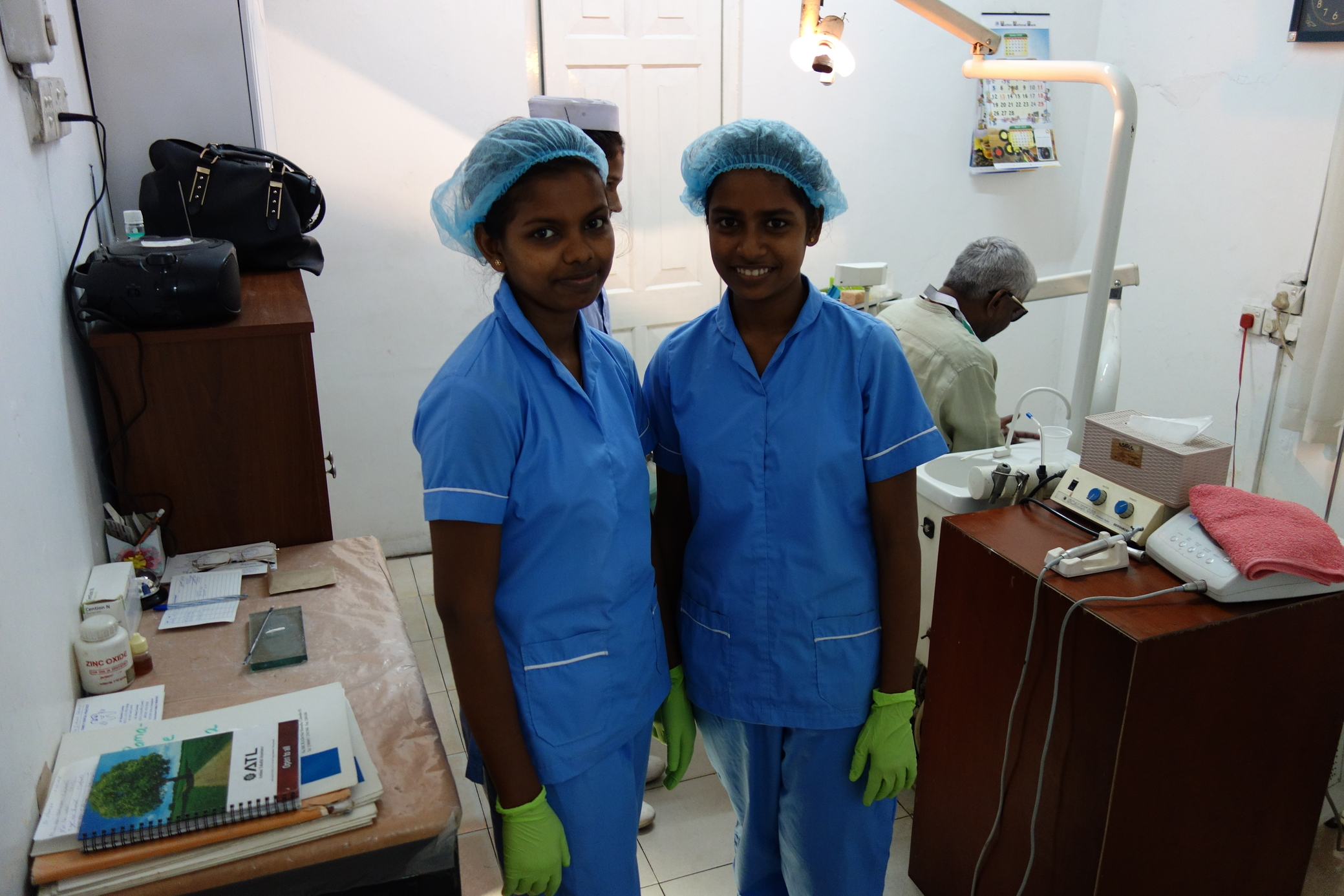 Dental Care International (DCI) Mobile dental care to provide free dental care to children in Colombo Sri Lanka. Dentists, hygienists, dental assistants